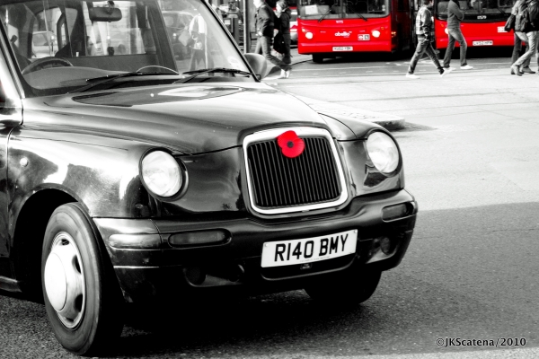 London: Black Cab & Poppy, Red
